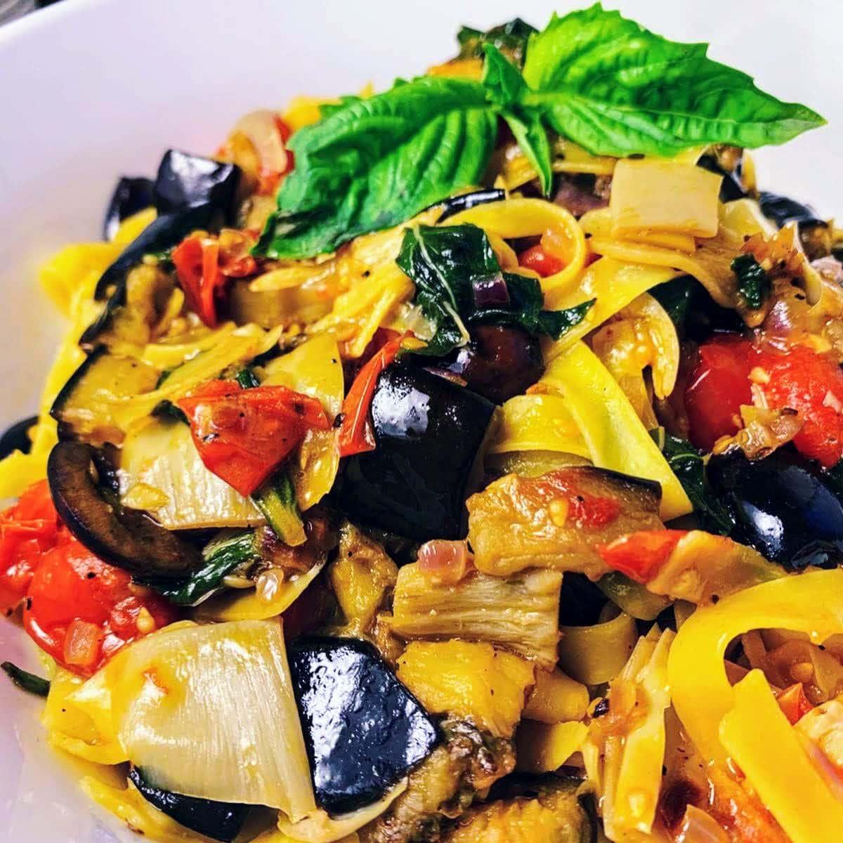 Mediterranean Vegetable Pasta_closeup 1