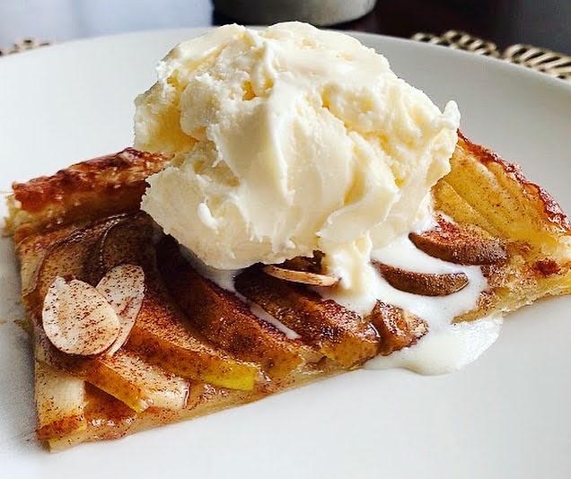 Pear Tart_slice with ice cream