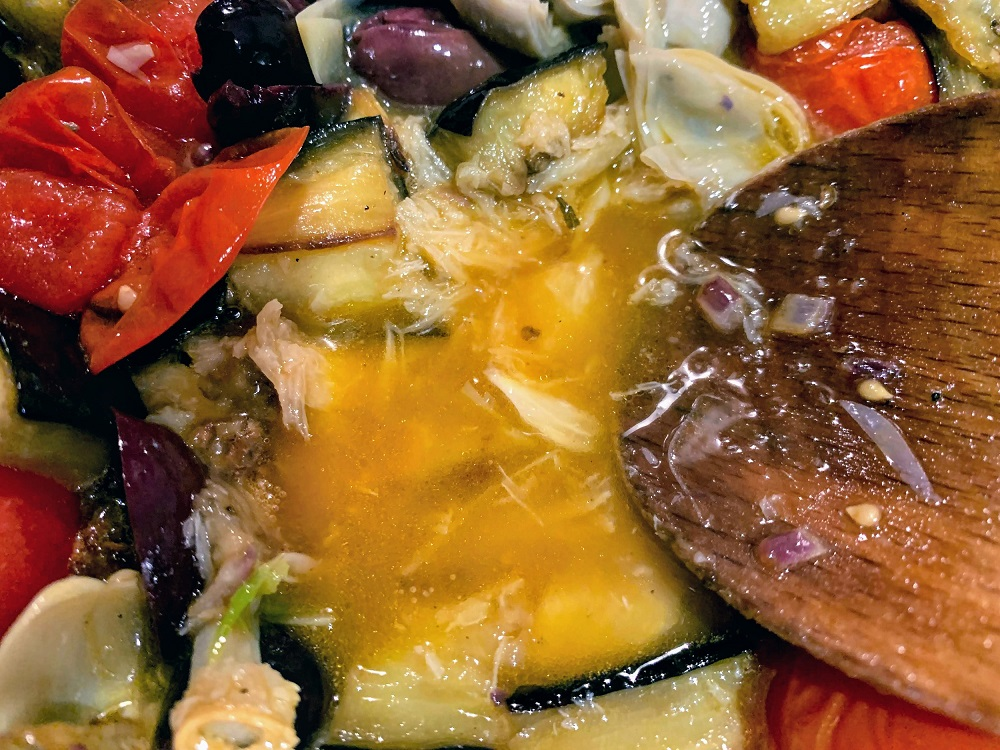 Mediterranean-Eggplant-and-Tomato-Pasta_smash-garlic_1000px