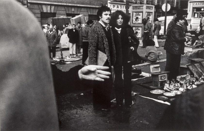 Fotografía © Gabriel Cualladó. El Rastro, Madrid, 1980-81