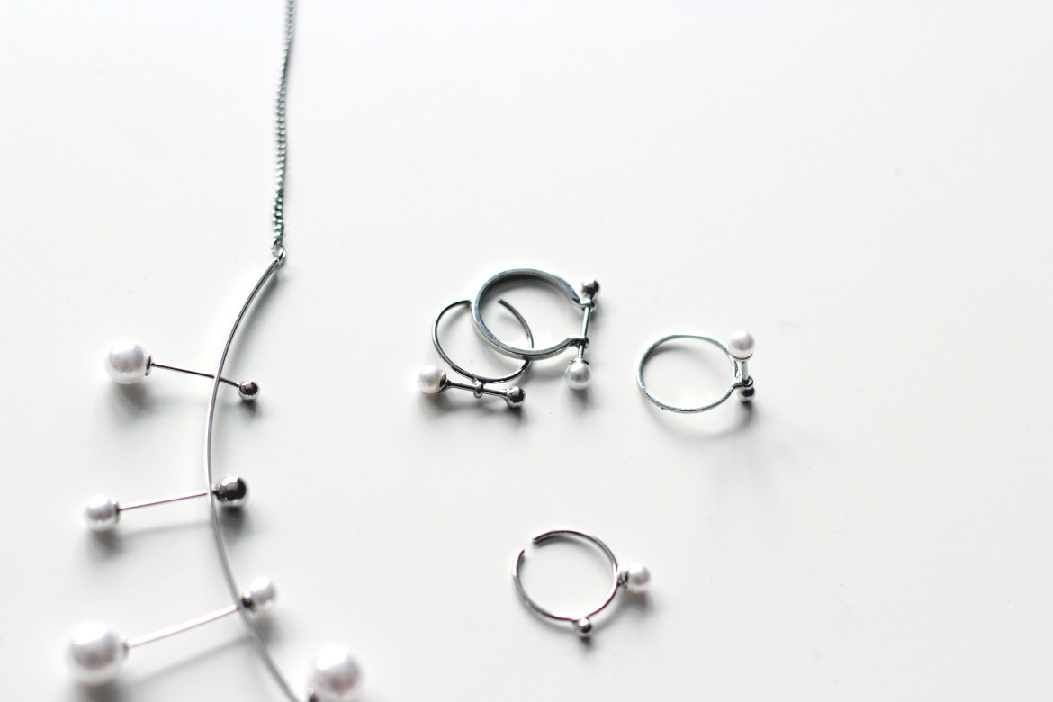 Minimalist pearl jewelry from bornprettystore on www.quitealooker.com