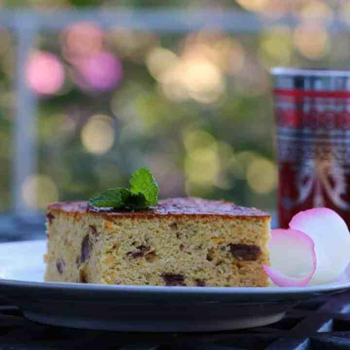 Mandarin, date and almond cake.