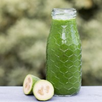 Feijoa and apple green smoothie.