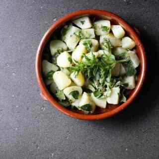 Potato and fresh oregano salad.