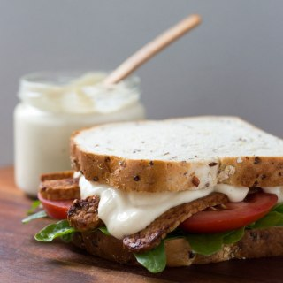 Easy vegan mayonnaise