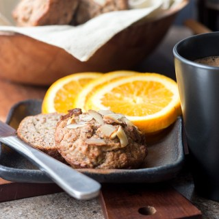 Almond, apple and banana breakfast muffins