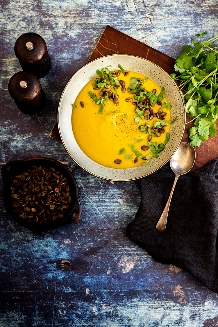 Sweet potato soup with tamari pumpkin seeds (vegan and gluten free).