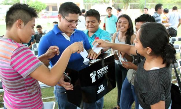 """Presenta Sejuve programas """"Desarróllate joven"""" y """"Equipo Yucatán joven"""" 2015"""