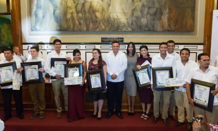 Juventud decidida e innovadora construye el hoy de Yucatán: RZB