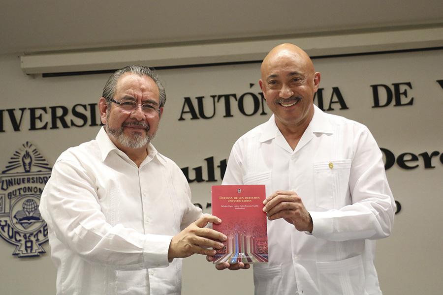 """Presentan libro """"La Defensa de los Derechos Universitarios"""""""