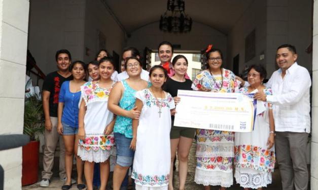 Muestra de Altares de la UADY, movimiento cultural para fortalecer valores