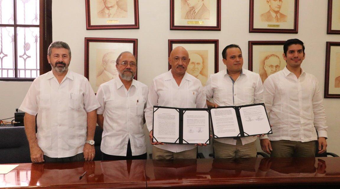 UADY y la cadena comercial OXXO signan contrato de donación y de comodato
