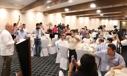 Reconocen labor de los periodistas