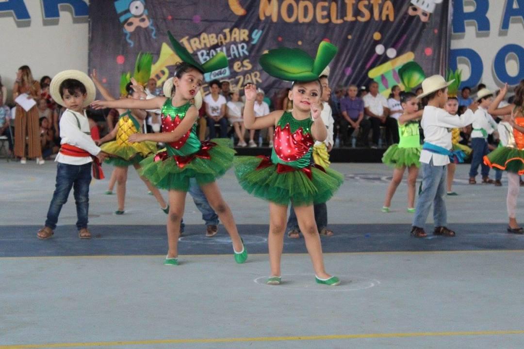 Carnaval Escuela Modelo 1