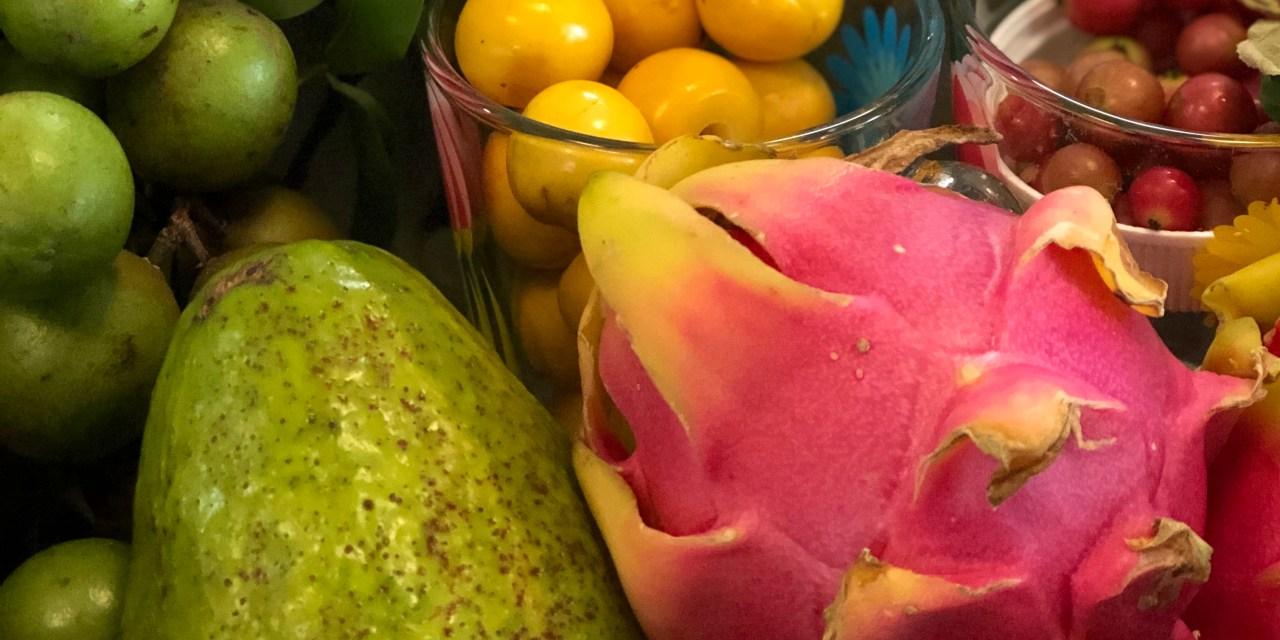 Frutos no convencionales y flores comestibles en el VI Encuentro Culinario del CICY