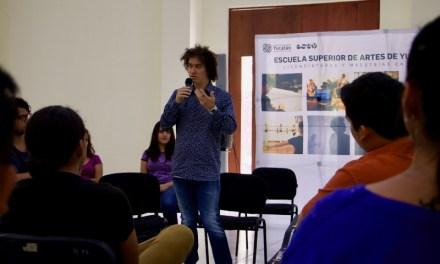 El guitarrista Cecilio Perera comparte su experiencia musical en la ESAY