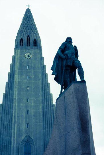 Leifur Eiríksson statute