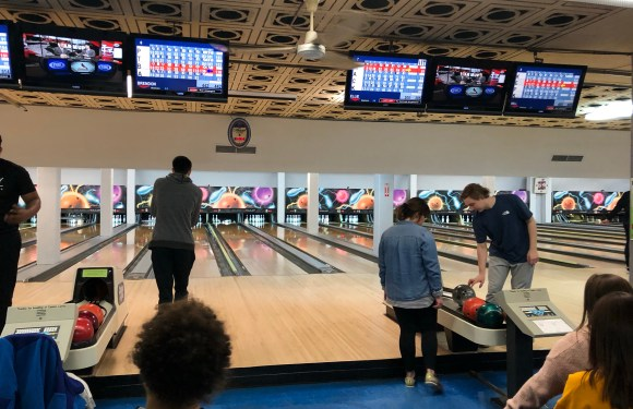 Students embrace icy conditions for intramural bowling