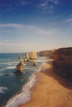Dawn on the Great Ocean Road -- Twelve Apostles
