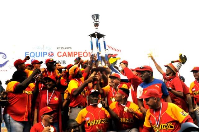 Béisbol cubano contra la COVID-19