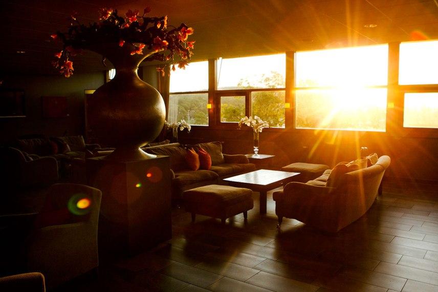 Loungen i solnedgång