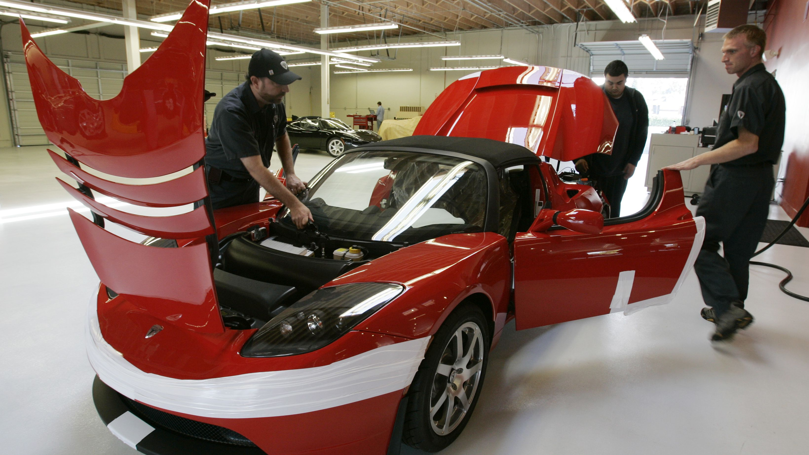 The Car Of The Future Is Threatening To Kill The Independent Auto Repair Shop Quartz