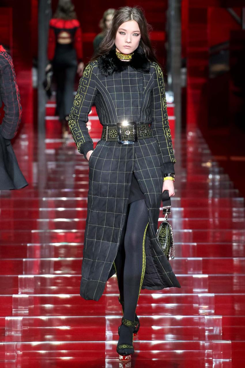 Versace Fall 2015 Milan Fashion Week Show
