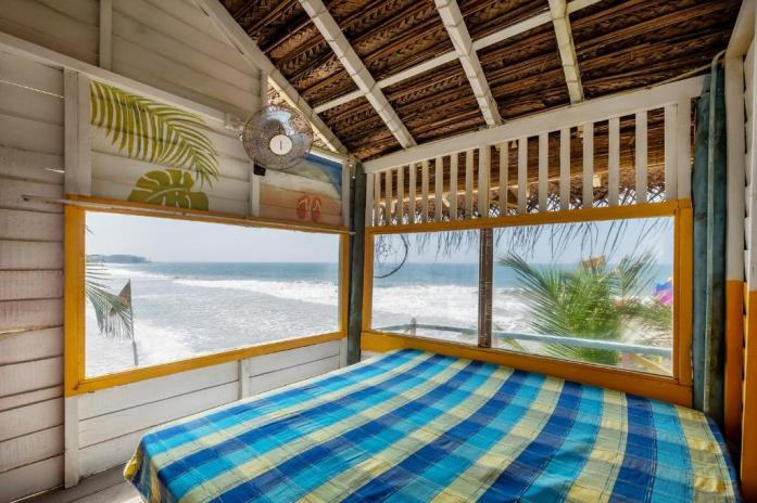Tree House Room of Bara Beach Home in Sri Lanka