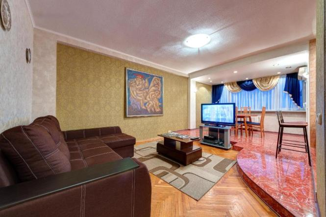 Four Room Apartment In The Center Of Kiev Ukraine Booking