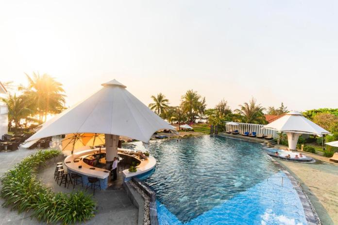 The swimming pool at or close to Mercury Phu Quoc Resort & Villas