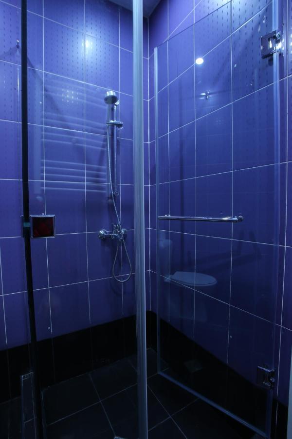 A bathroom at HOTEL ARISTOCRAT