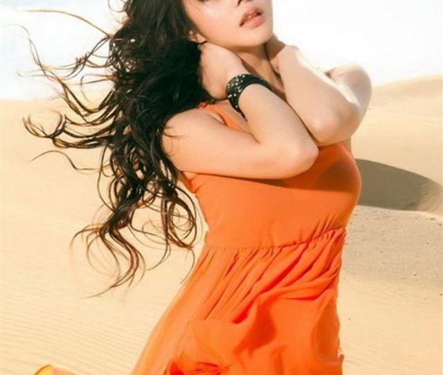 Desert Sunshine Hot Sexy Model Photography Iphone 8 Wallpaper