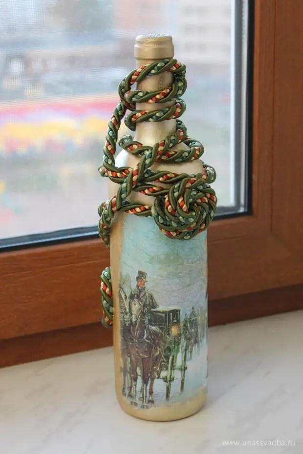 Decoupage dan hiasan botol dengan tali