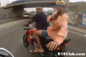 Assalto a mão armada a motociclista