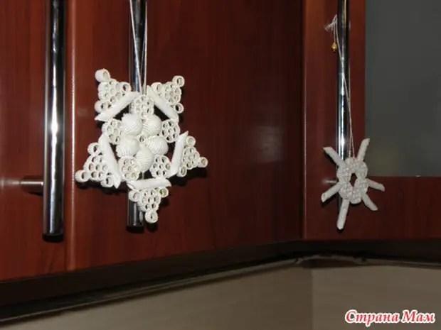 Макароннан керемет снежинкалар оны өзіңіз жасаңыз. Мастер-класс.