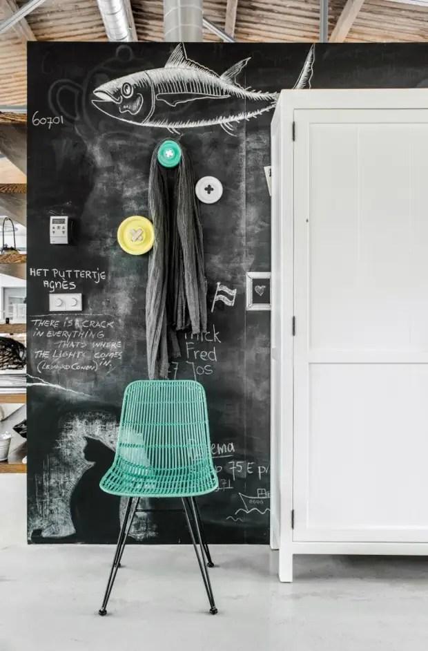 Бор-сурет салу сәндейтін қабырға - пәтер декорын әртараптандырудың бір жолы