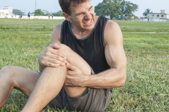 Wichita man with knee pain