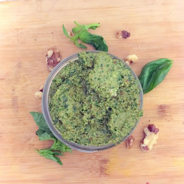 Vegan walnut pesto