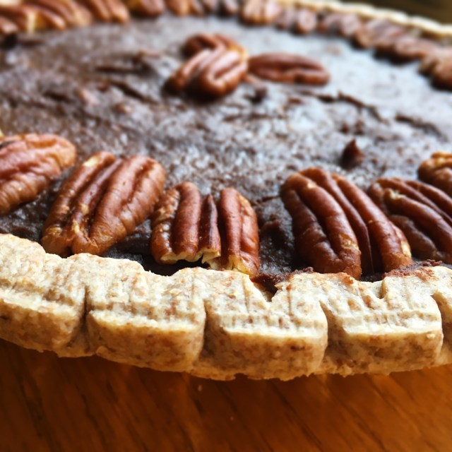 vegan chocolate pecan pie slde