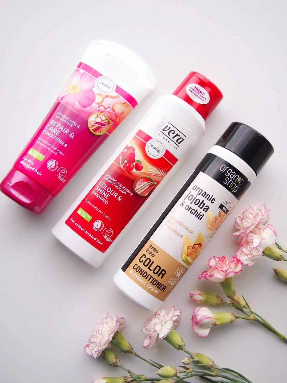 värjätyt hiukset shampoo ja hoitoaine