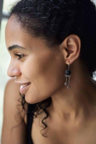 Lilia in vikafo earrings, photo by Yulia Borodina