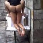 Image Comendo o cuzinho da namorada tesuda na piscina