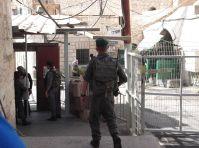 Check-point all'ingresso della Moschea