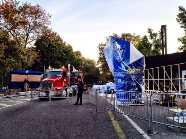 The NYCM finish line being built in Central Park yesterday morning.