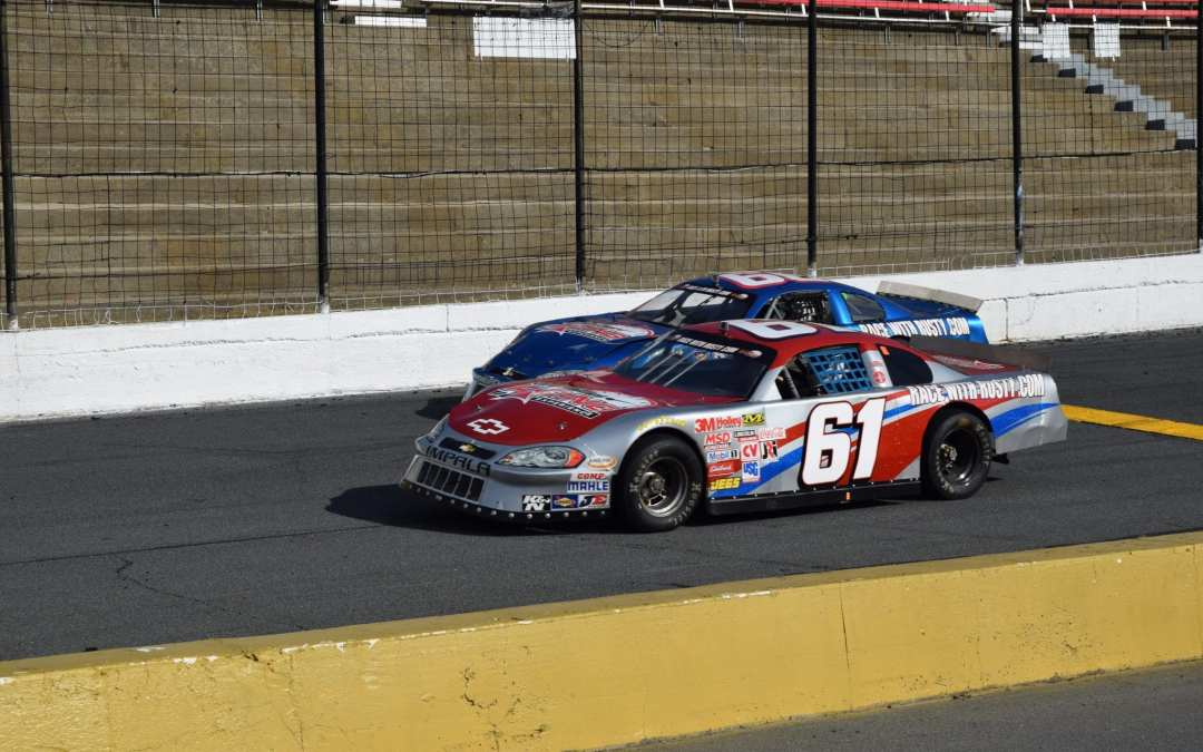 SAVE 60% OFF Driving Experiences at Caraway Speedway on 4/7 & Concord Speedway on 4/8!