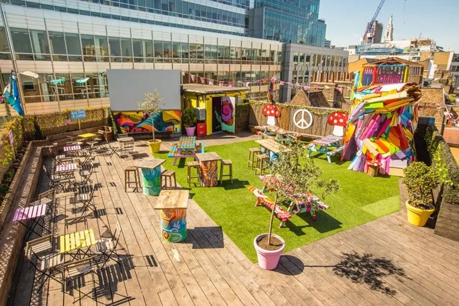 Queen Of Hoxton Rooftop Pub Bar London Shoreditch