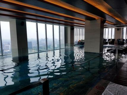 westin-jakarta-indoor-pool