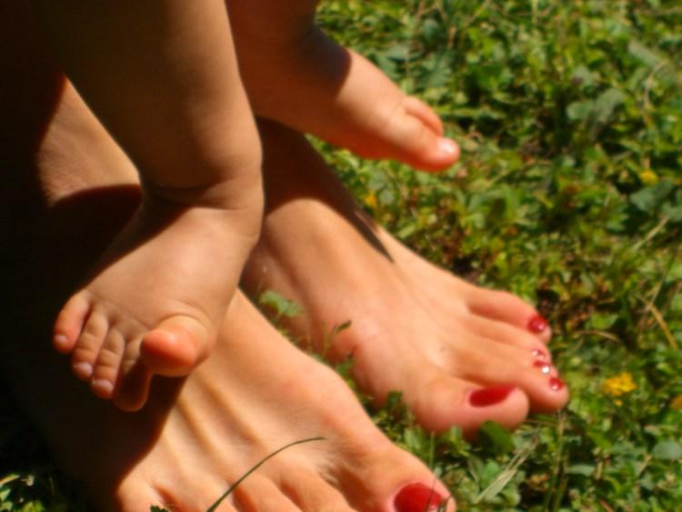 feet-1435571.jpg