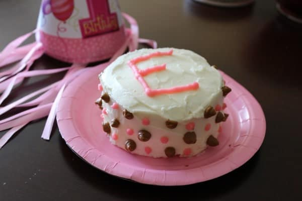 Birthday cake for a one year old girl.