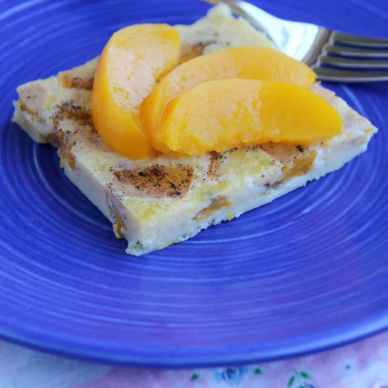 Puffy Vanilla Bean Peach Pancake